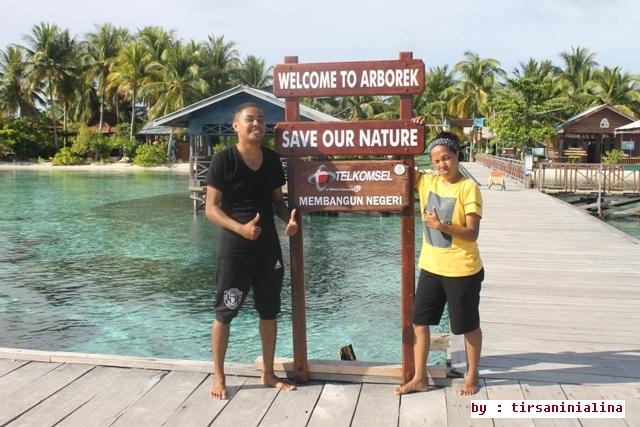 Foto bersama partner di Jetty Arborek